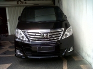 Toyota-Alphard-by-Crown-Rent-A-Car-9